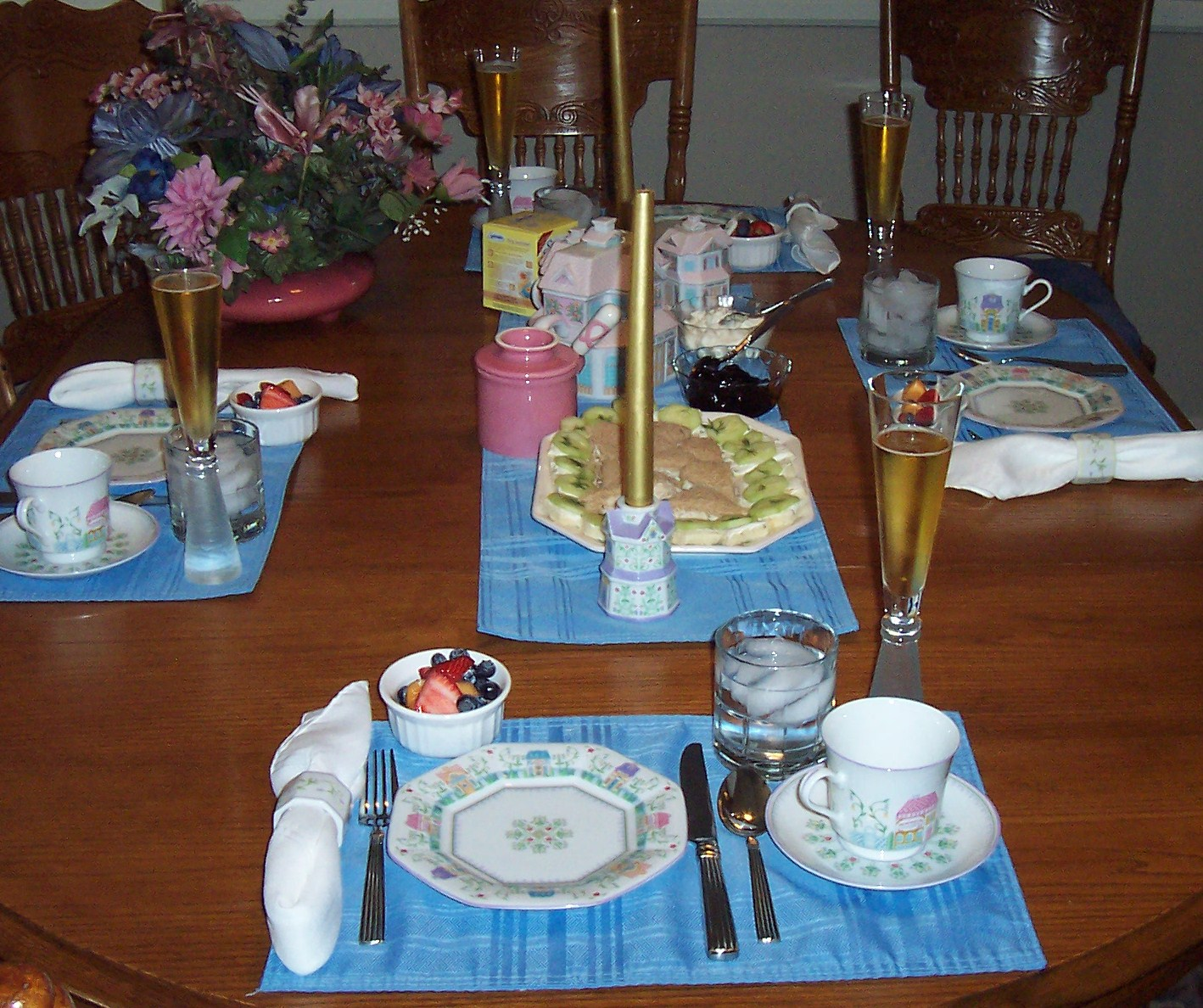Victorian table settings for Edwardian table setting