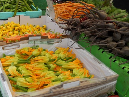 Farmer's Market in Corona Del Mar