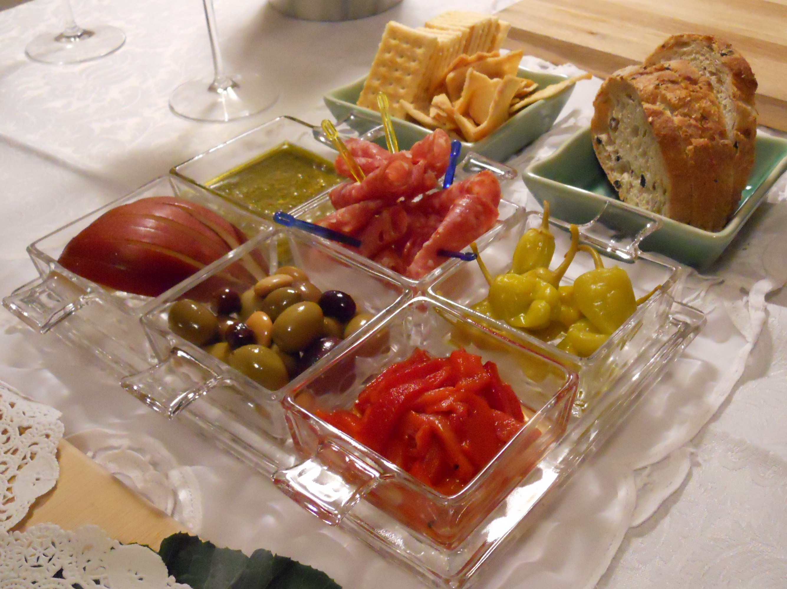 Cheese appetizers for wine and cheese party party for Appetizer decoration