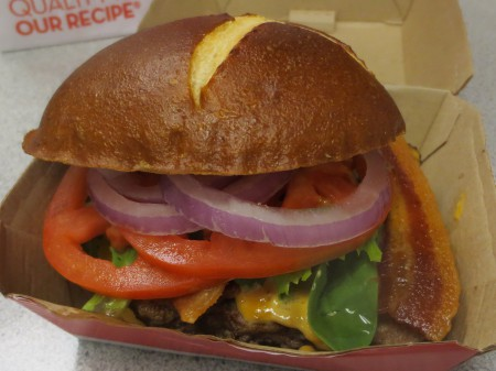 Wendy's Pretzel Burger 005